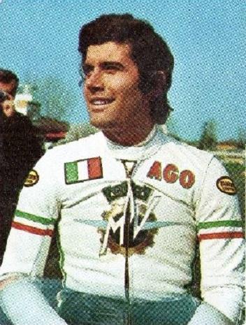 Giacomo Agostini fait partie du Top 10 des meilleurs pilotes de moto GP de l'histoire
