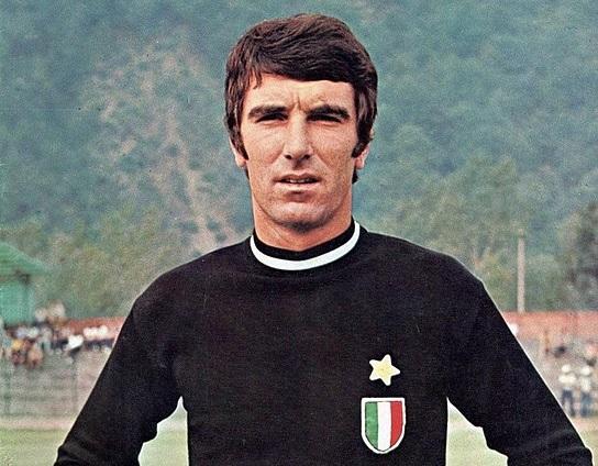 Dino Zoff l'un des meilleurs joueurs italiens de l'histoire Foot