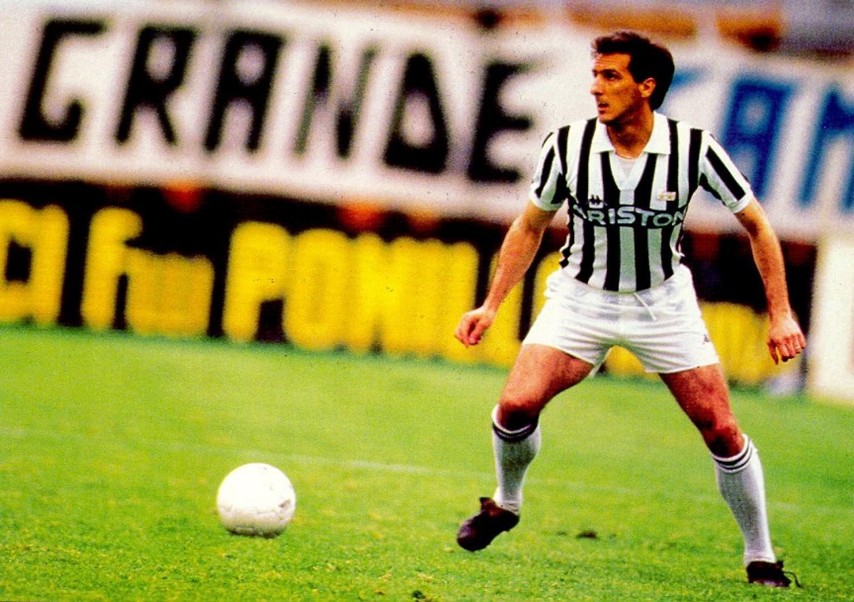 Gaetano Scirea les 10 meilleurs défenseurs centraux de l'histoire du football Top 10