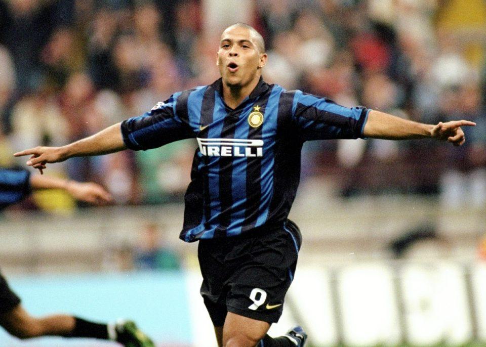Ronaldo R9 fait partie des meilleurs attaquants de pointe de tous les temps