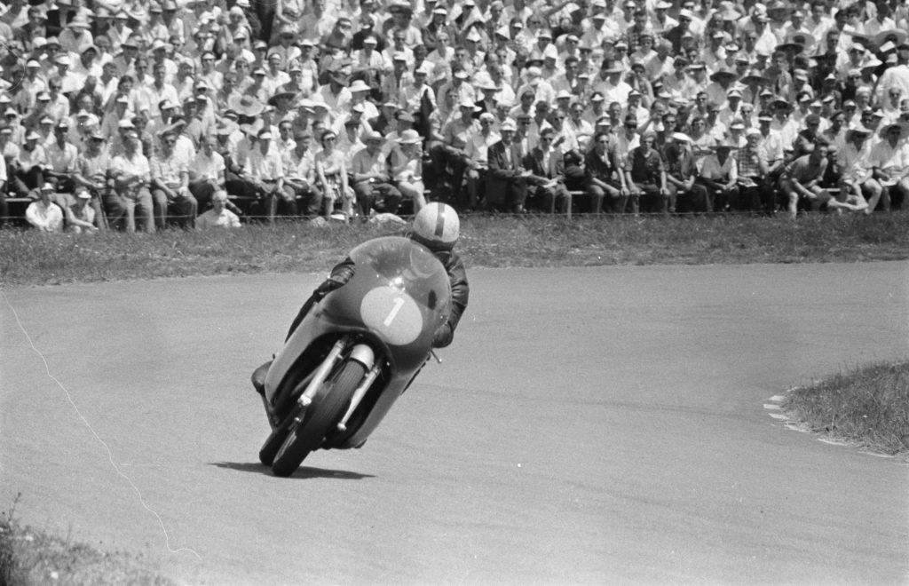Surtees est l'un des meilleurs pilotes de moto GP de l'histoire
